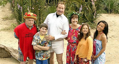 Christmas vacation 2 cousin eddie 39 s island adventure film - Le sapin a les boules ...
